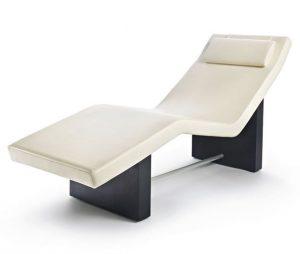Лежаки и массажные столы